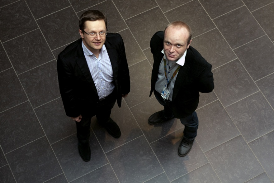 Professor Yevgeni Koucheryavy and site manager Veli-Pekka Vatula of Intel Finland